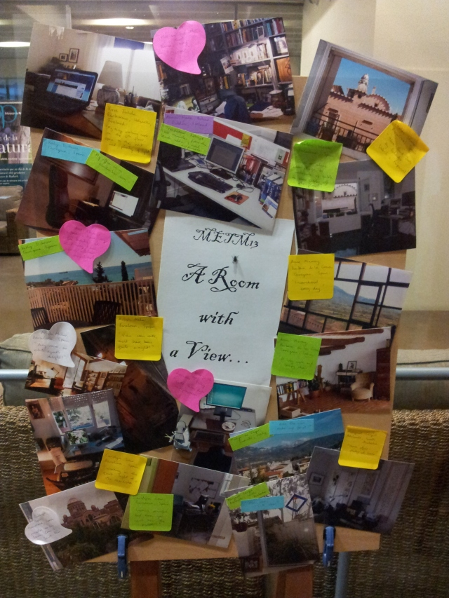 מתרגמים הביאו תצלומים של חדרי העבודה שלהם