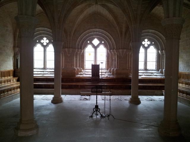 אולם התפילה במנזר